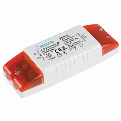 Dimmable 10W 700mA mains powered constant current LED driver