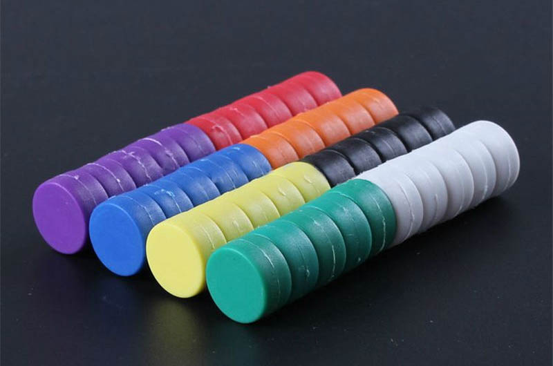 12.7mm x 6.2mm plastic coated rare earth magnets